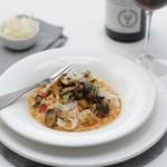 Tomatenrisotto met paddenstoelen & Yealands Pinot Noir