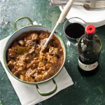 Stoofpot van rundvlees met bokbier & Peter Lehmann Clancy's Red Wine