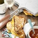 Indiase tosti met kip en cashewnotenpesto & Pinot Gris