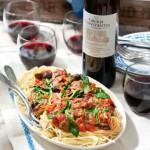 Spaghetti alla Puttanesca & Groot Constantia Rood